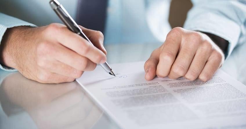 Vertragsunterschrift - Schutt, Waetke Rechtsanwälte & Fachanwälte