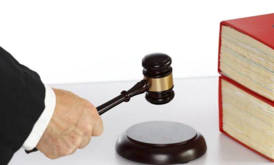 Haftung, Facebook-Account, Feiertagsgesetz, Loveparade, Veranstalter, Loveparade-Prozess, PayPal, Genehmigung