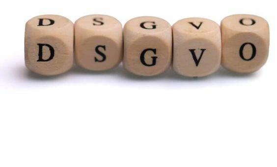 EU-Datenschutzgrundverordnung. Datenschutzgrundverordnung, Datenschutz, DSGVO, Fanseiten, DSGVO-Abmahnung